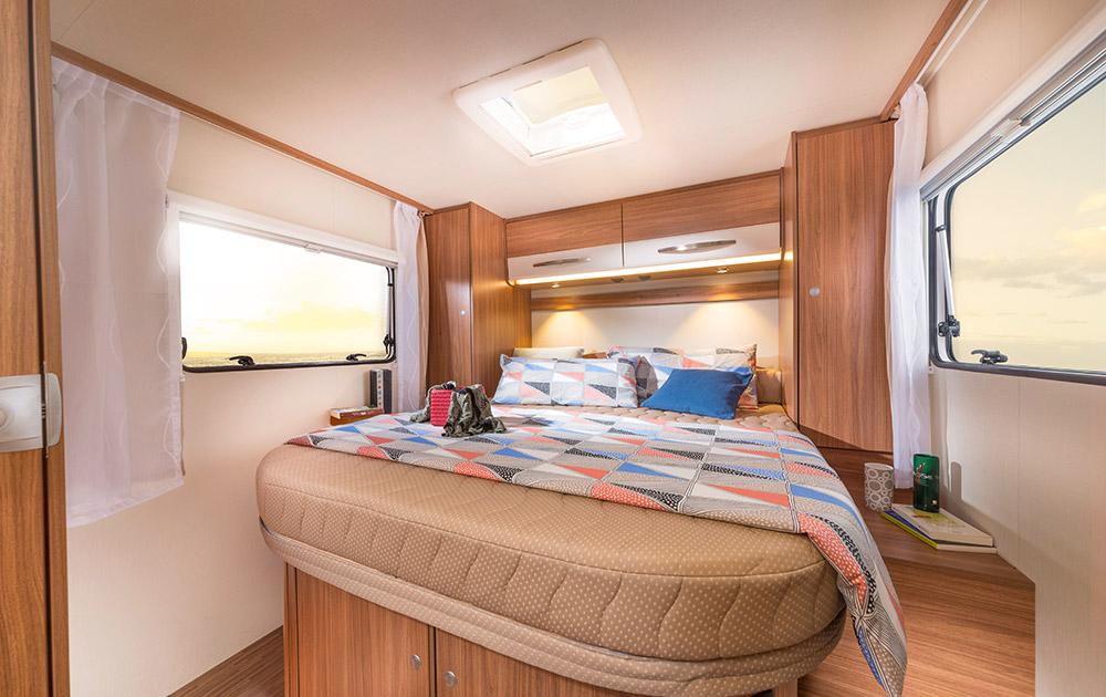 carado t 449 akromobil magaz n esk ho karavaningu. Black Bedroom Furniture Sets. Home Design Ideas